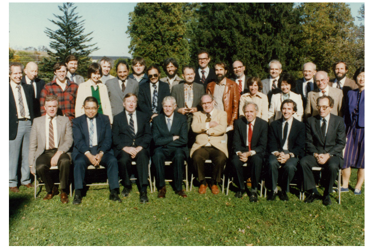 old photo of chemistry faculty and staff